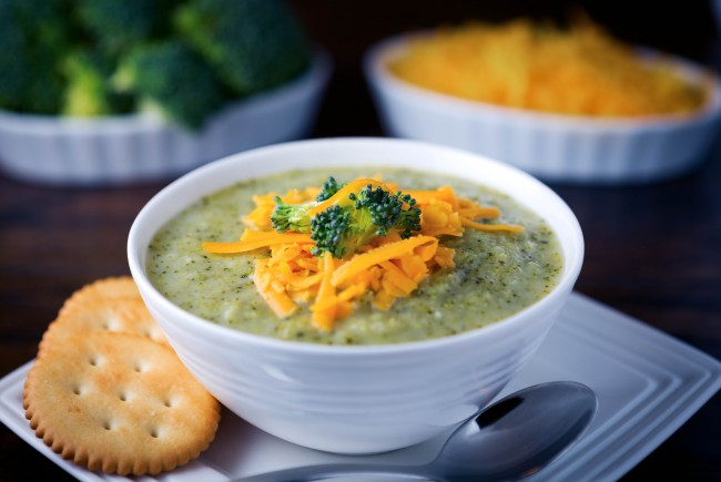 Low-Fat Cream of Broccoli Soup