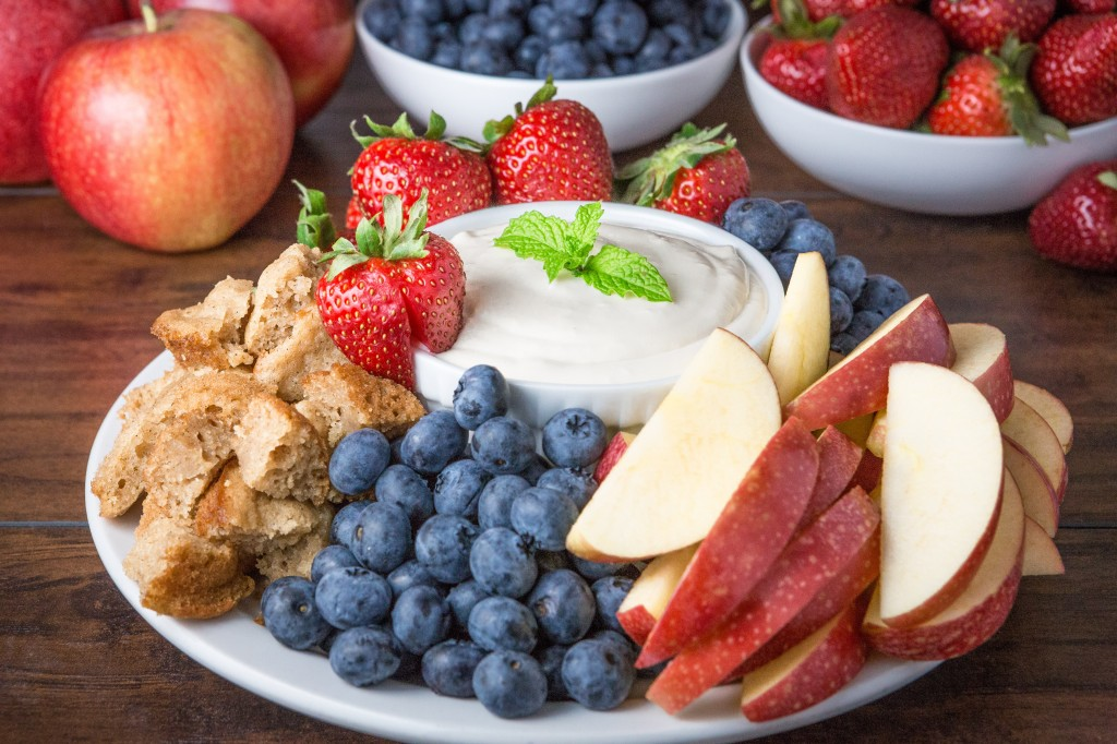 2014-08-31 Cream Cheese Fruit Dip-593