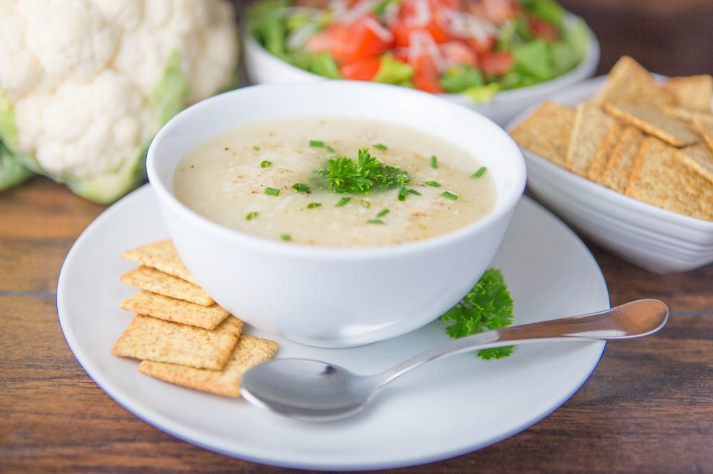2014-08-19 Creamy Califlower Soup-504